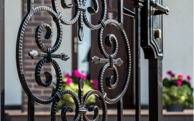 Rozety – eleganckie i szybkie wypełnienie bram, furtek i przęseł